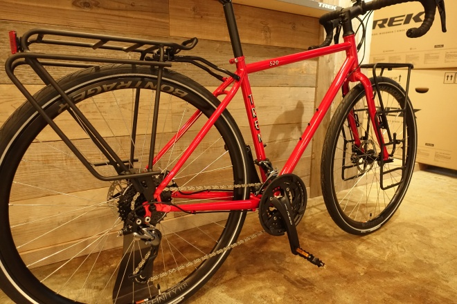 夏休みの思いでに!自転車旅行に行きたくなるツーリングバイク、TREK(トレック) 520。