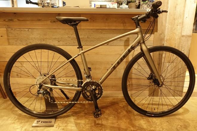 ロードバイクに匹敵する高性能なクロスバイク。2020 TREK(トレック) FX SPORT 4。