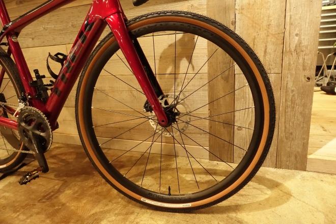 カスタマイズして楽しもう!グラベルロードバイク風新型Domane SL5